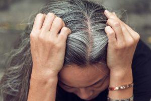 中・高校生の若白髪はどう染めるべき?